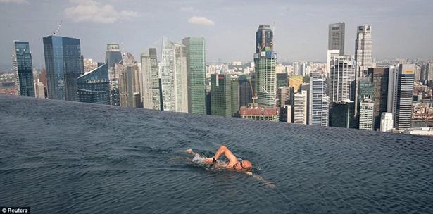 pool-singapore-01-800x396