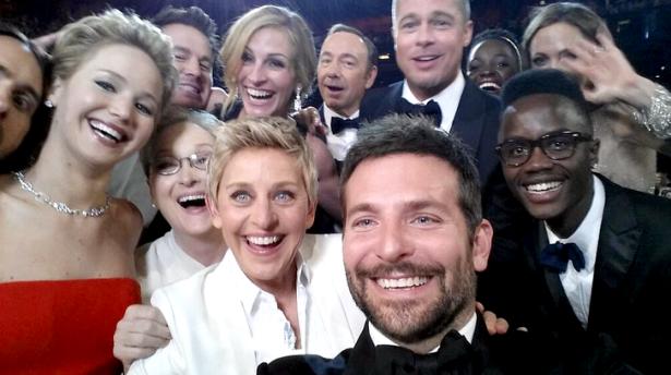 Selfie mais famoso de todos os tempos - by: Ellen DeGeneres